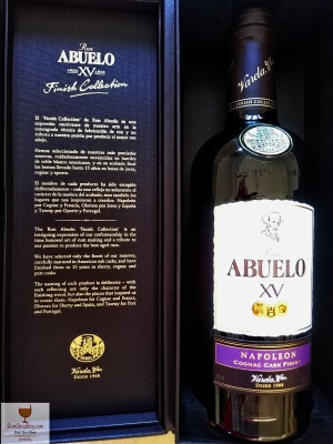 Ron Abuelo: XV Napoleon Cognac Cask Finish: Box & Bottle