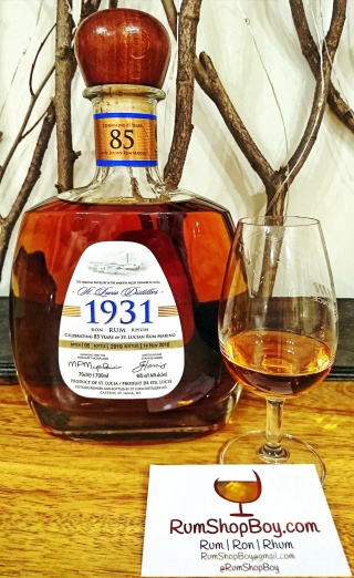 St. Lucia Distillers 1931 Sixth Edition: Bottle & Glass