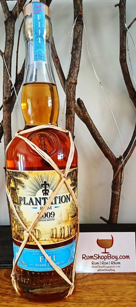 Plantation Fiji 2009 Rum: Bottle